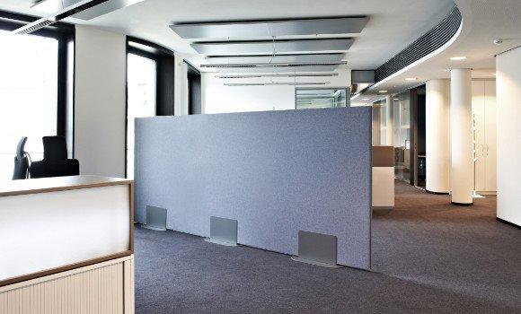 Akustik-Stellwand zur Schallminderung im Raum