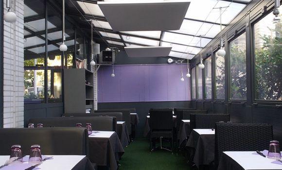 Akustik Deckensegel für den Schallschutz im Restaurant